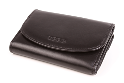 Czarny portfel skórzany damski dla ceniących klasykę kobiet