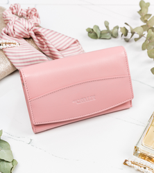 Skórzany portfel damski różowy, zapinany na zatrzask marki Cavaldi RD-06-GCL SALMON